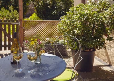 Pretty patio garden just for you